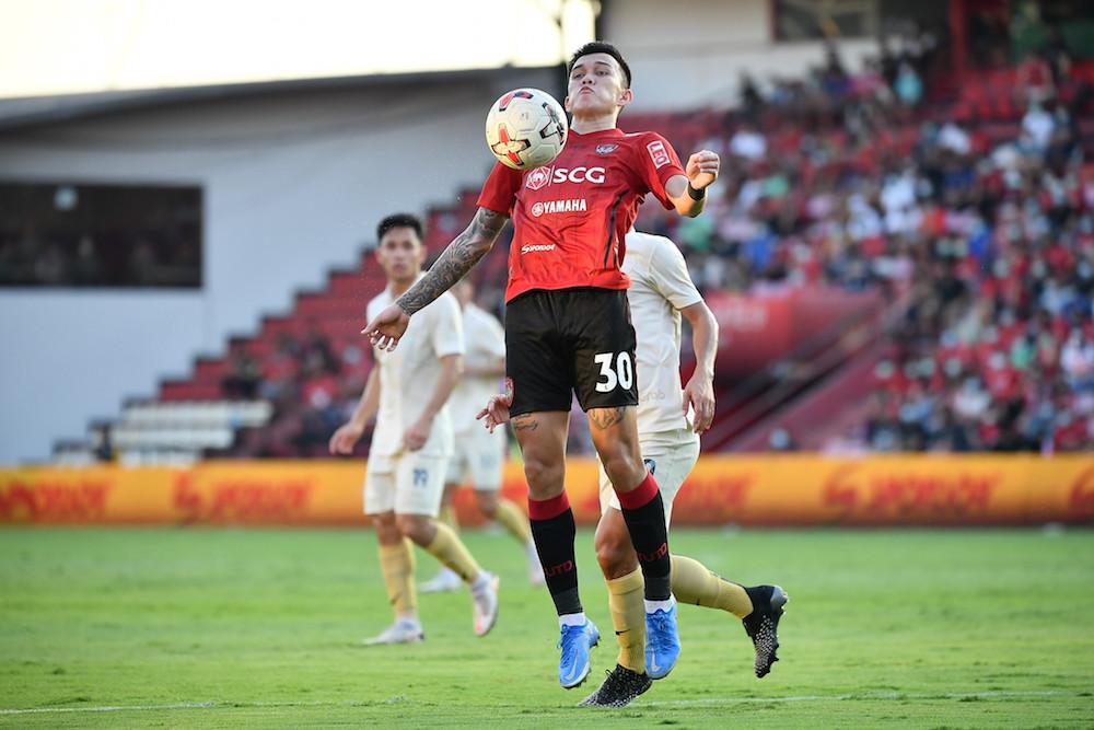 รูปภาพนี้มี Alt แอตทริบิวต์เป็นค่าว่าง ชื่อไฟล์คือ Pic-04-AIS-PLAY-ร่วมเปิดการแข่งขัน-Thai-League-2021.jpg